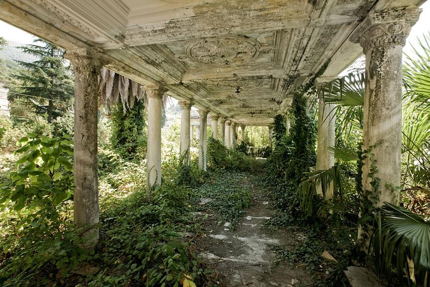 abandoned-places-14-1-2