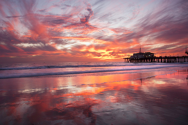 beautiful-sunset-Santa-Monica-Pier