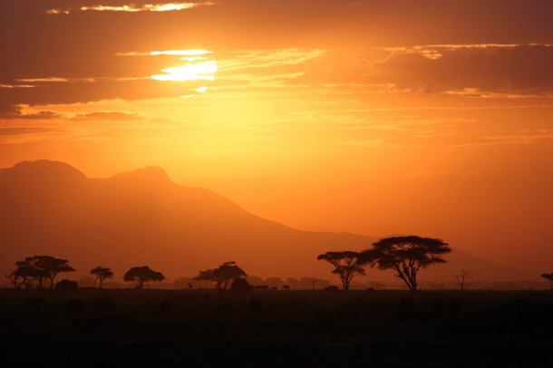 beautiful-sunset-Serengeti-Tanzania