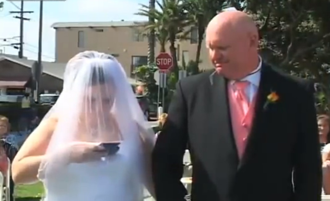 This Video Will Make You Hate Technology In 30 Seconds: A Bride Prefers To Text During Her Wedding…WOW