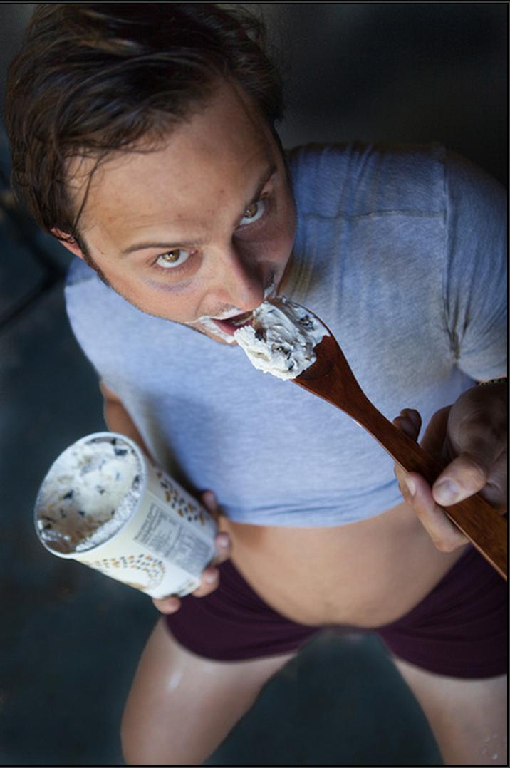 maternity-husband-pictures-ice-cream2