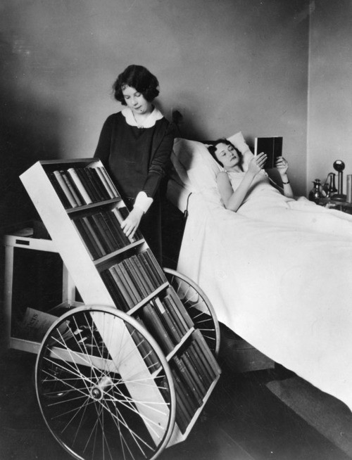bookmobile-public-library-for-sick
