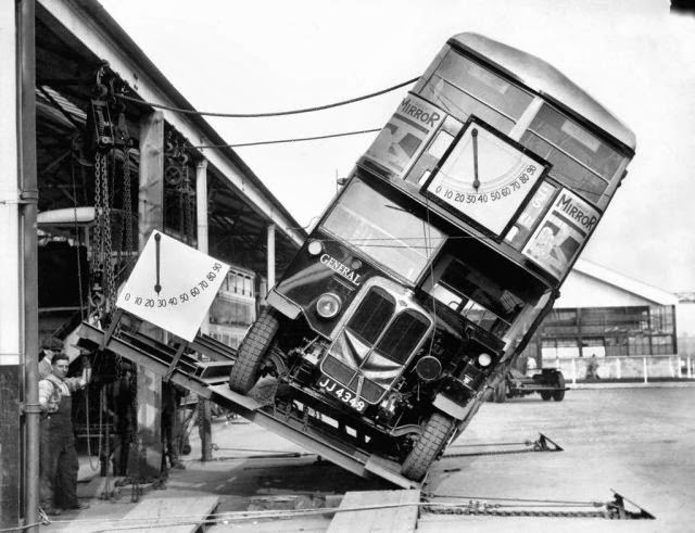 london-double-deckers-tipping