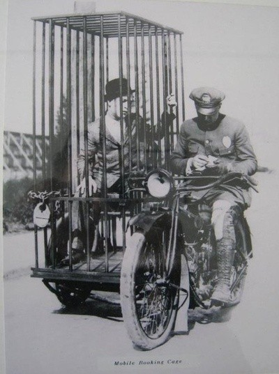 old-mobile-holding-cell
