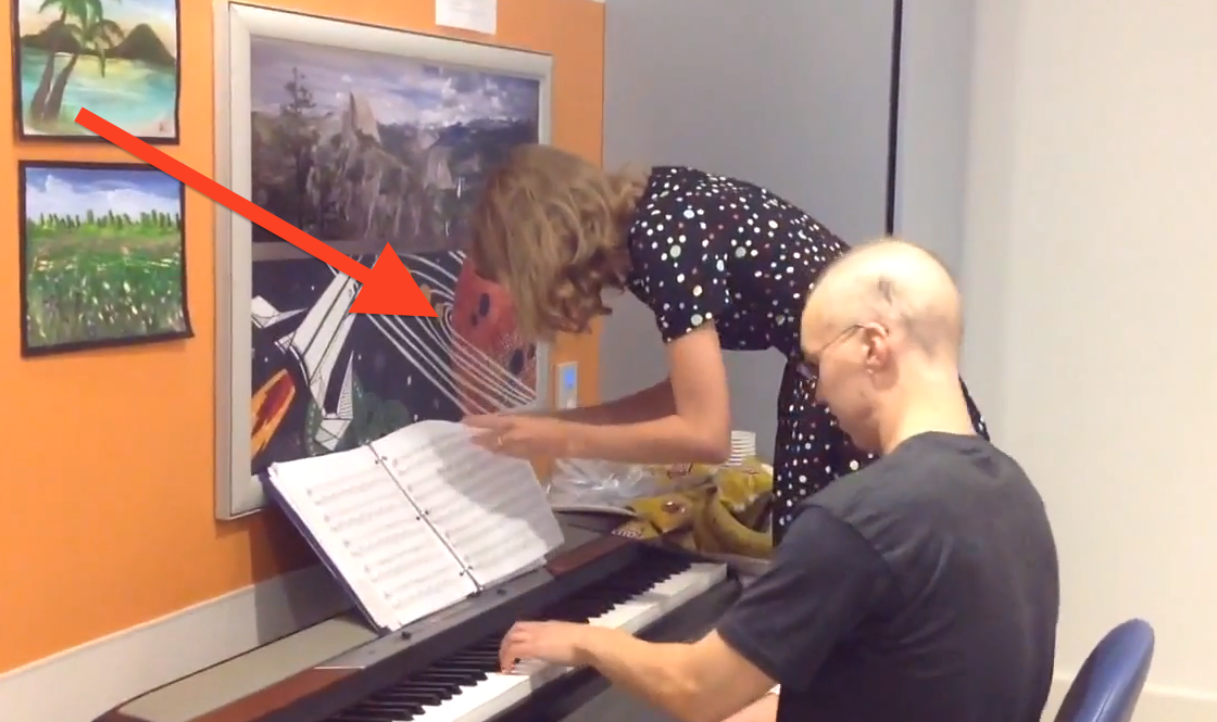 Man Has The Best Day Ever When Taylor Swift Pops By And Asks Him To Play The Piano…This Is SO Sweet.